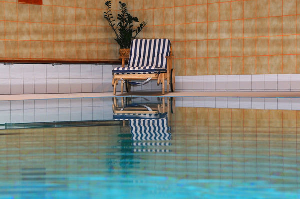 Indoor swimming pool in the Hotel Schweizerhof, Zermatt: 12.5 m long and 6.5 m wide