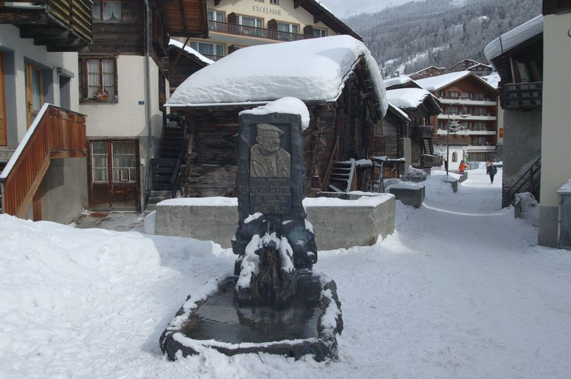 Memorial fountain: Ulrich Inderbinen was Zermatt's most famous mountain guide, and lived to the age of 104. This fountain is dedicated to him.