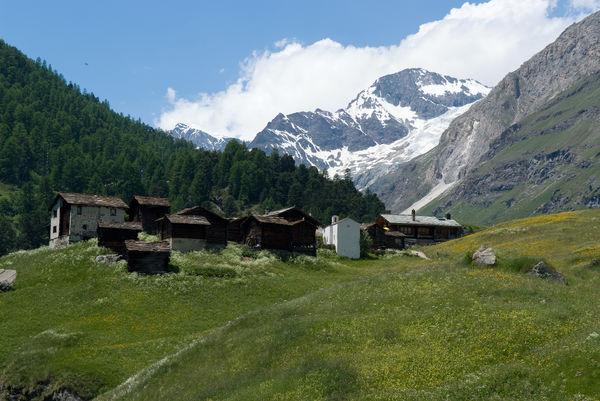 Der Weiler Zmutt im gleichnamigen Tal, unweit von Zermatt.
