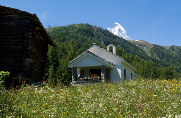The most recent of Zermatt's chapels stands at the edge of the hamlet of Zum See.