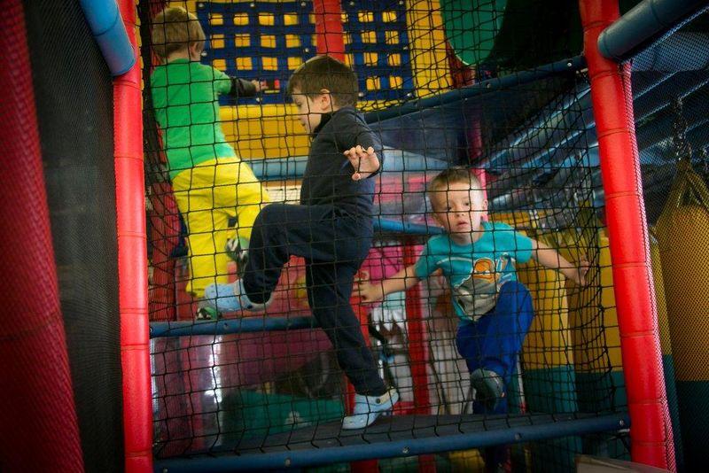 Im Kinderparadies können sich Kinder auf 300m2 austoben.