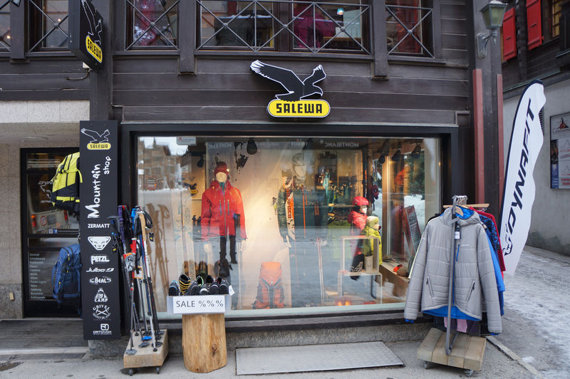 The Slewa Mountain Shop offers everything you need for skiing, hiking or climbing.