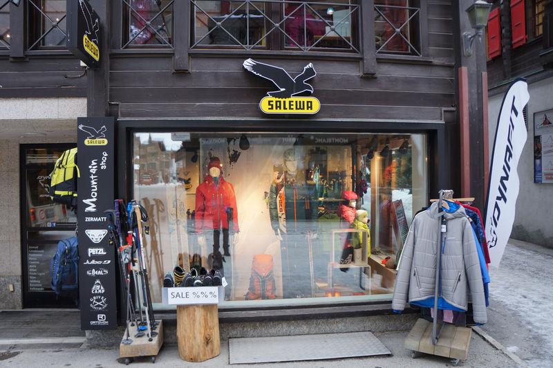 Kletterausrüstung Zermatt : Salewa mountain shop zermatt schweiz