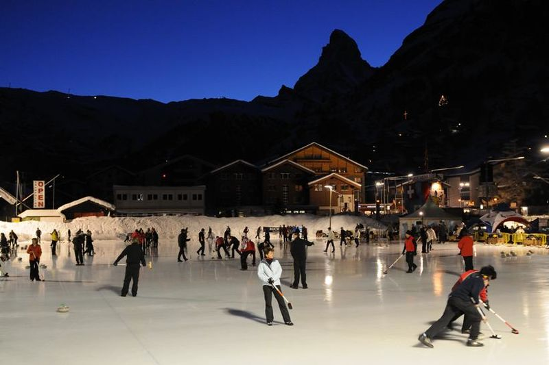 Skating in view of the Matterhorn, in the village centre of Zermatt.