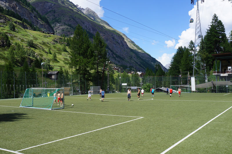 The sports field is a meeting place for young and old as well as for school and club sports.