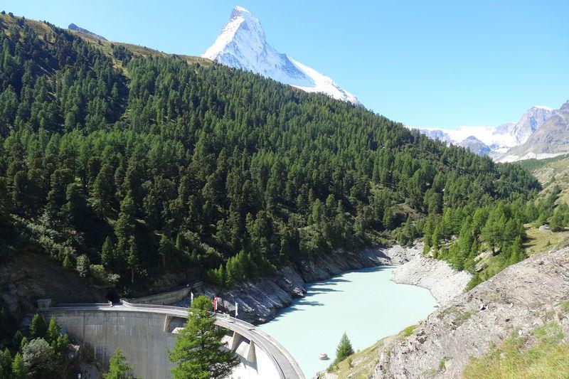 Kraftwerkunternehmen Grande Dixence: 74 m hohe Staumauer in Zmutt.