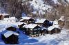 Hameau de Zum See, près de Zermatt: idylle alpine et romantisme hivernal typique des montagnes.