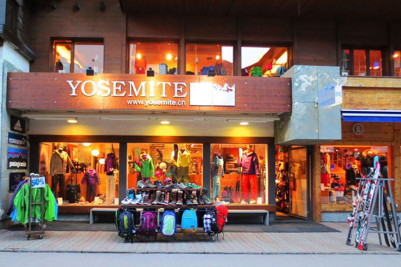 Yosemite Zermatt sells and rents summer and winter sports equipment.