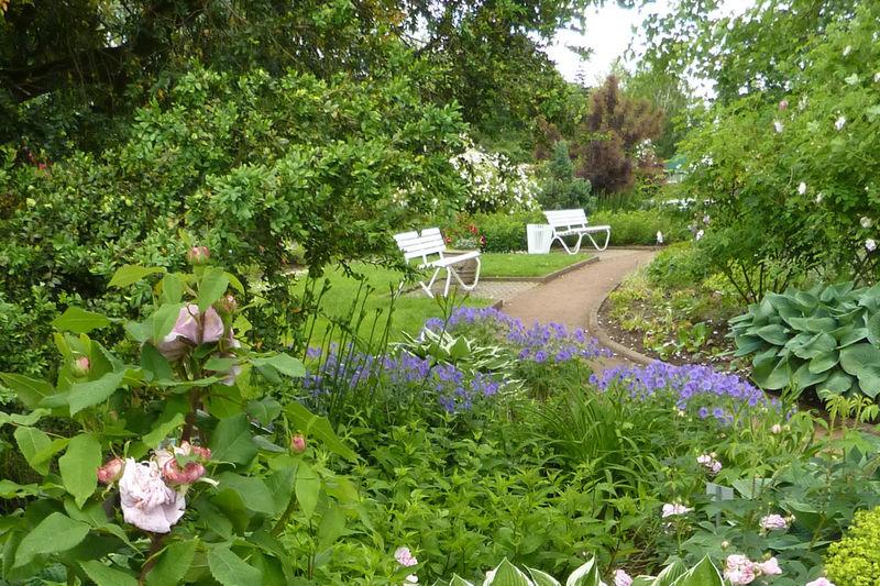 La roseraie zweibr cken jardins sans limites - Front de liberation des nains de jardins ...