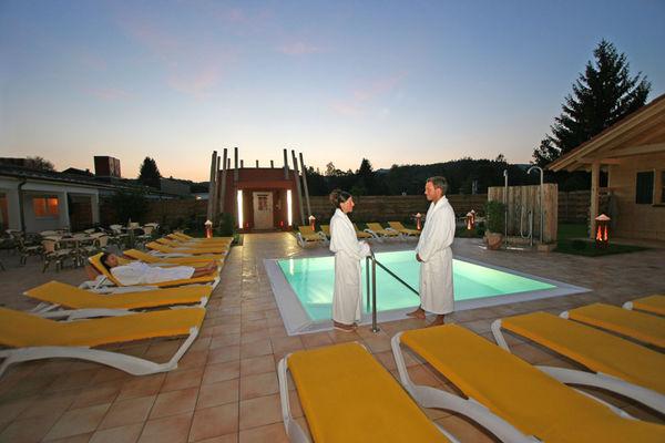 Auf ca. 1.500 qm Fläche können sich die Saunagäste in der Bayerwald-Sauna erholen