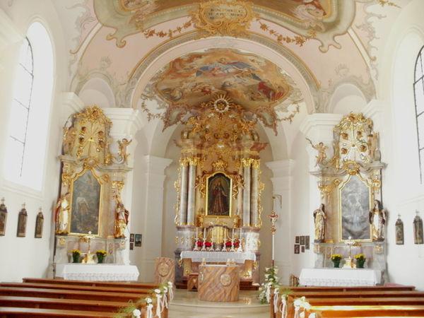 Innenraum der Bergkirche in der Glasstadt Zwiesel
