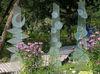 Gläsernes Kunstwerke im Garten der Glasfachschule Zwiesel