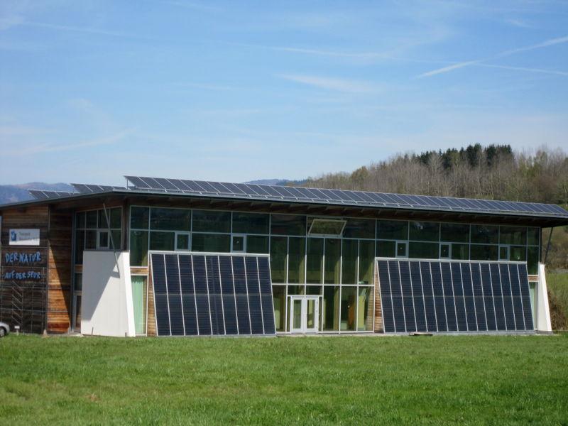 Blick auf das Naturpark-Informationshaus in Zwiesel im ArberLand Bayerischer Wald