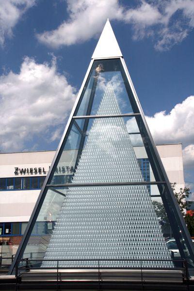 Die Zwiesel Kristallglas AG (ehemals SCHOTT Zwiesel) verkauft weltweit Gläser und ist sogar Weltmarktführer für Gläser im Gastronomiebereich