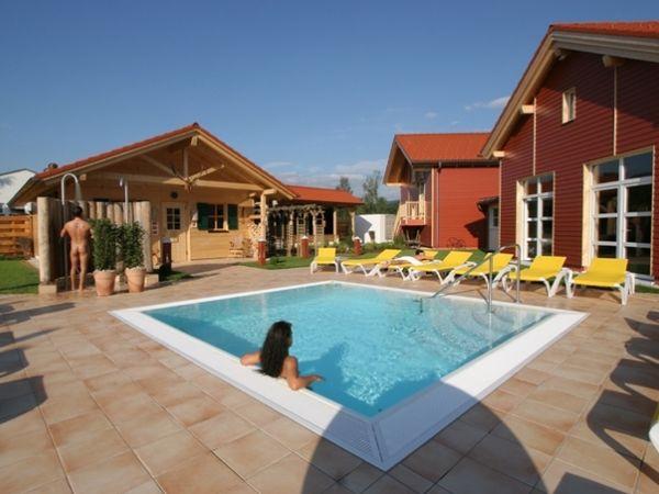 Badevergnügen und Entspannung am Solebecken der Bayerwald-Sauna am Zwieseler Erlholungsbad