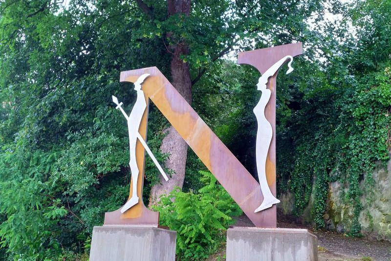 Nibelungensteig-Skulptur in Zwingenberg